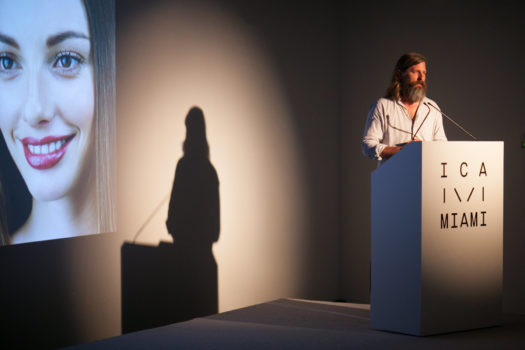 Image of photographer Roe Ethridge lecturing at ICA Speaks, ICA Miami