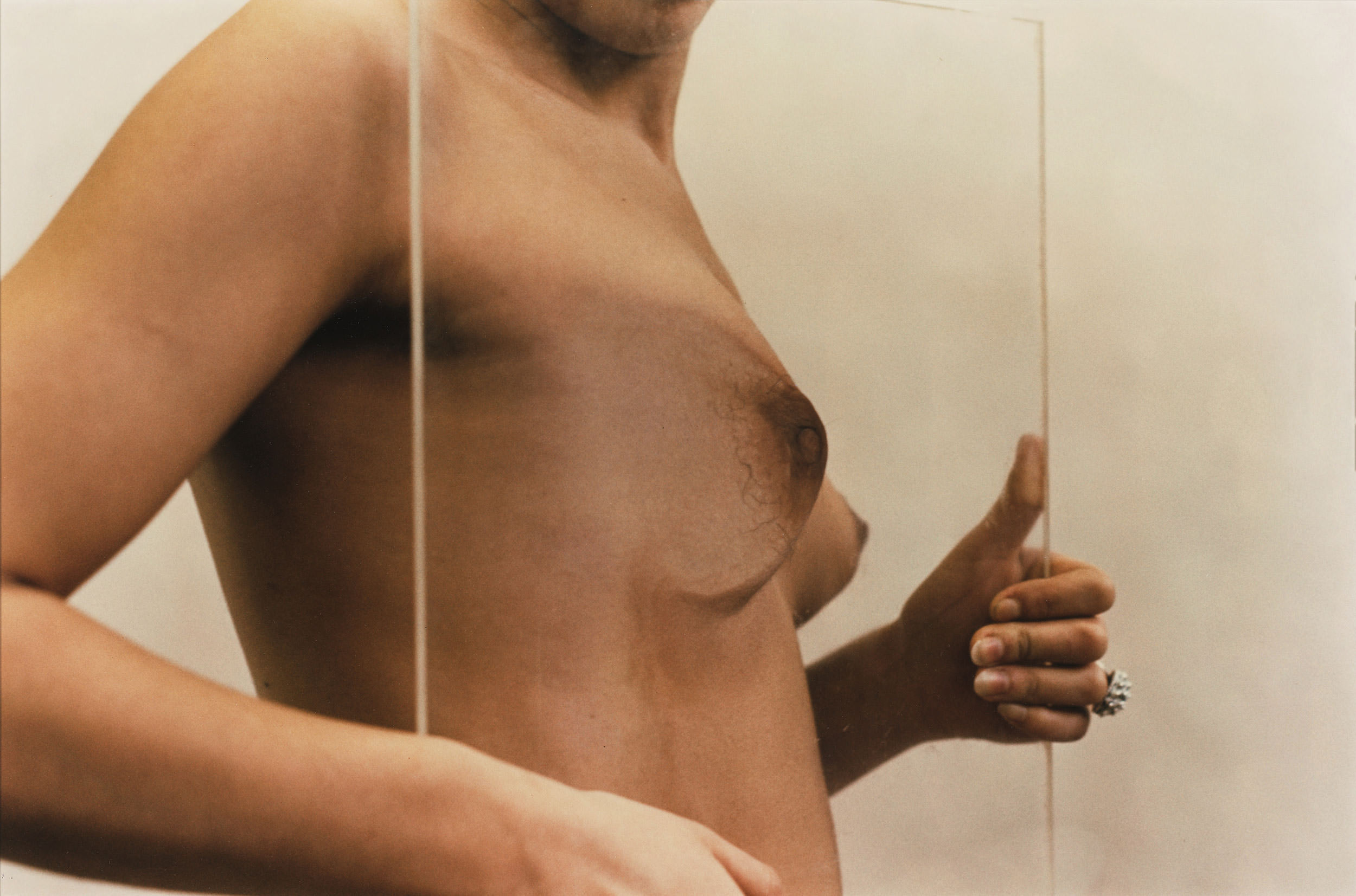 5 Ana Mendieta, Untitled (Glass on Body), 1972.