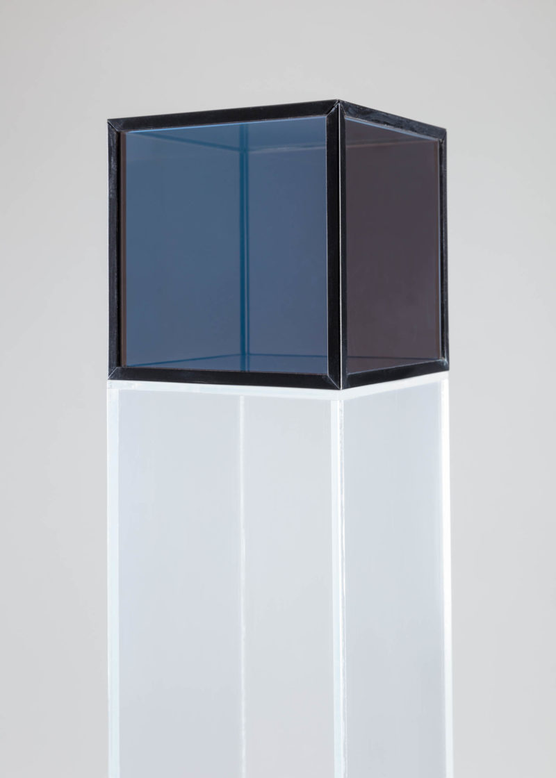Larry Bell, Untitled, 1966. Glass and aluminum with Plexiglas base. Courtesy Hall Collection. Photo: Silvia Ros.