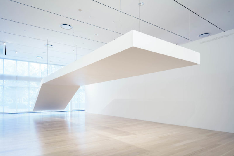 Robert Grosvenor, Untitled, 1968–70/2019. Steel and plywood painted white. 12 x 96 x 460 in. Institute of Contemporary Art, Miami. Museum Purchase with funds from the Ezratti Family Prize for Sculpture. With major support by Mickey Beyer, and additional support provided by Helen Kent-Nicoll and Edward J. Nicoll. Photo: Fredrik Nilsen Studio.