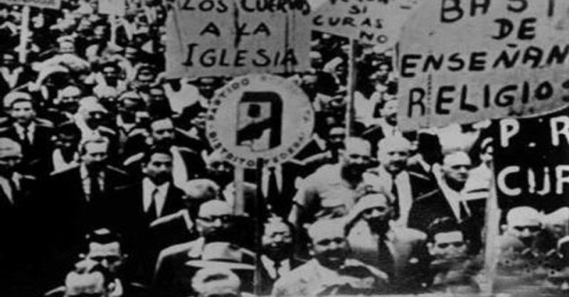 La hora de los hornos (The Hour of the Furnaces), 1968, still, dir. Octavio Getino and Fernando Solanas.