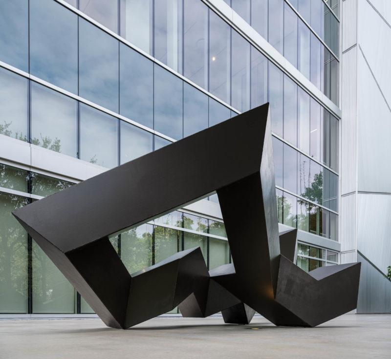 Installation view: Tony Smith, Throwback, 1976. Institute of Contemporary Art, Miami. Sept 17, 2019 – Sept 30, 2020. Photo: Fredrik Nilsen Studio.